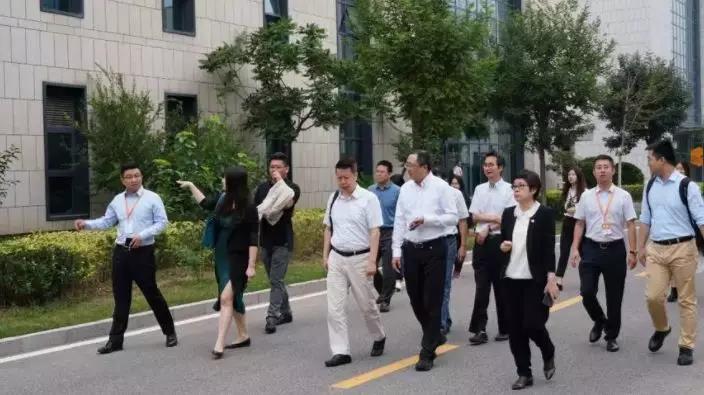 北京海高协会一行至鸿坤产业园进行调研