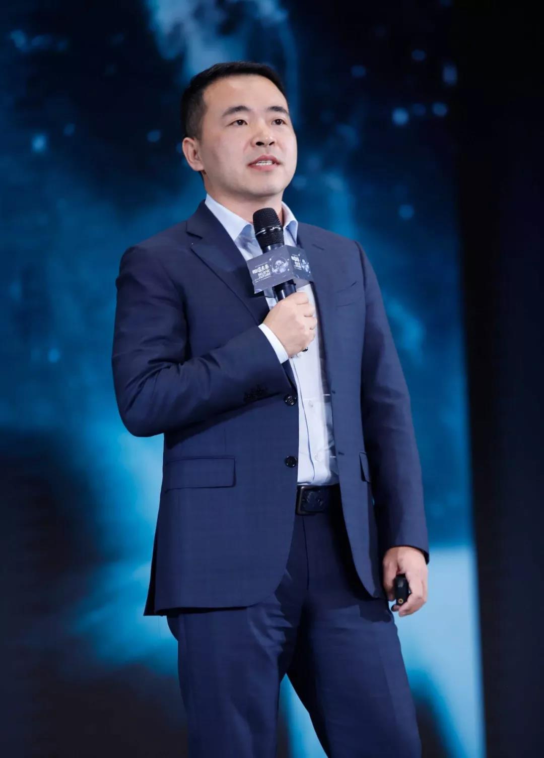 王鹏出席2019第三届万物生长大会现场实拍